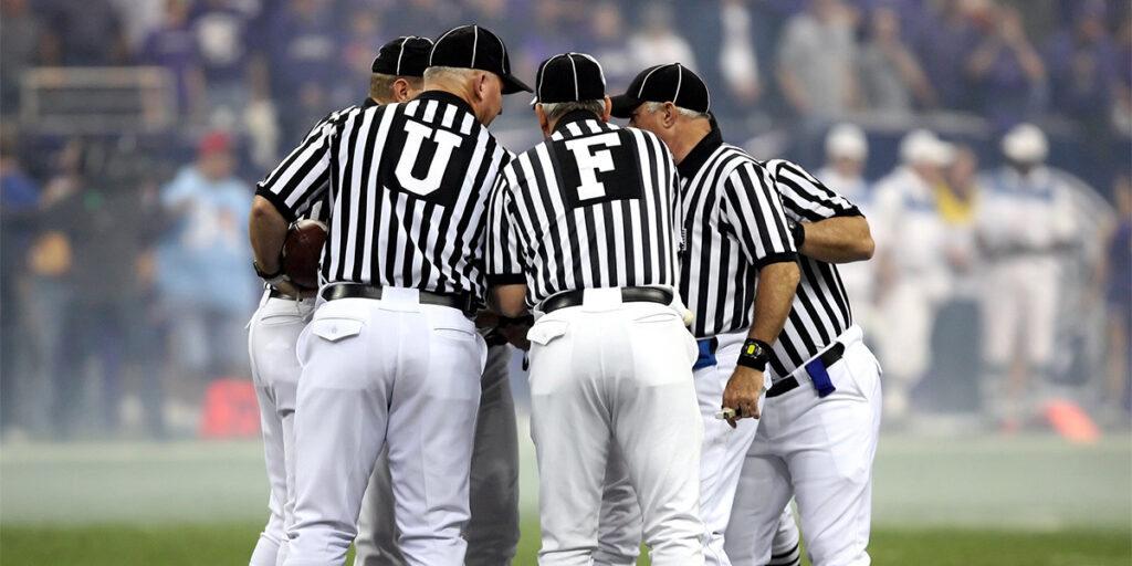 how much do nfl referees get paid