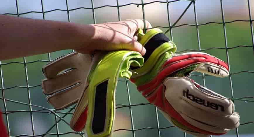 best goalkeeper gloves for turf coastalfloridasportspark 2