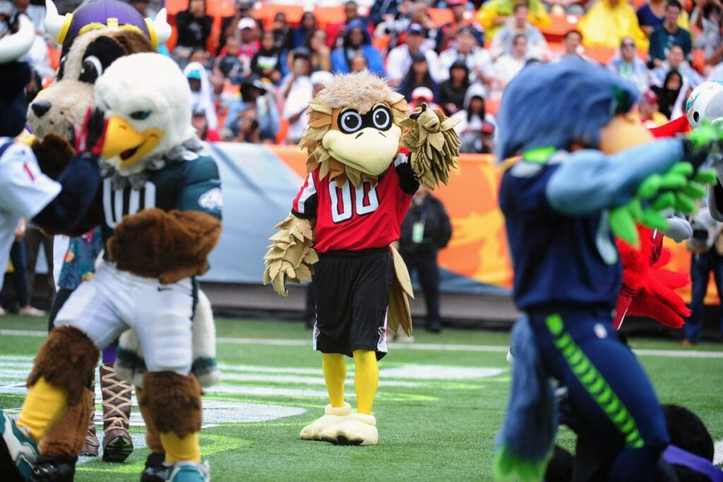 how much do nfl mascots make