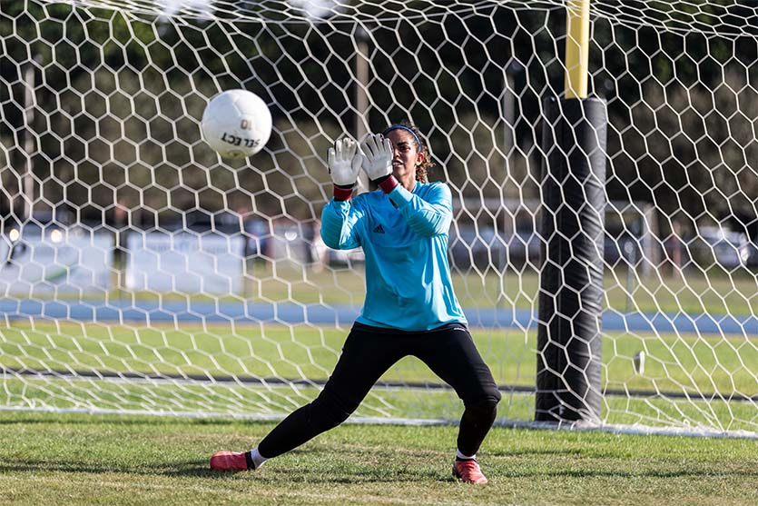 dos and donts of being a soccer goalkeeper coastalfloridasportspark 4