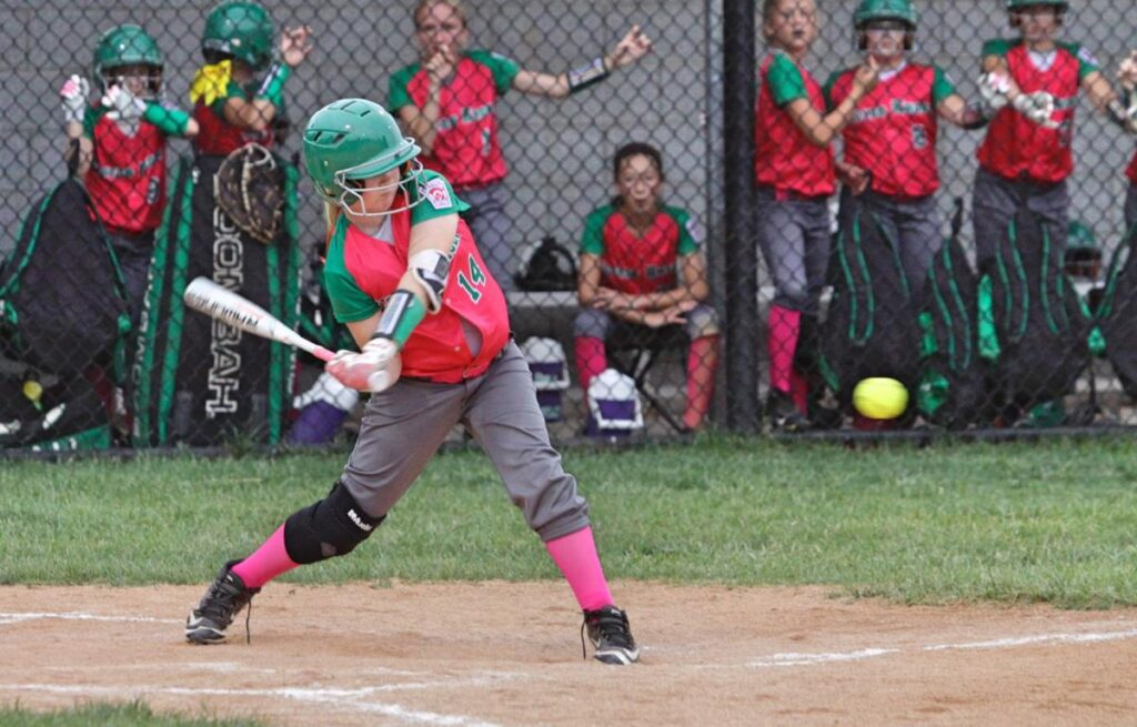 how to swing a bat in softball