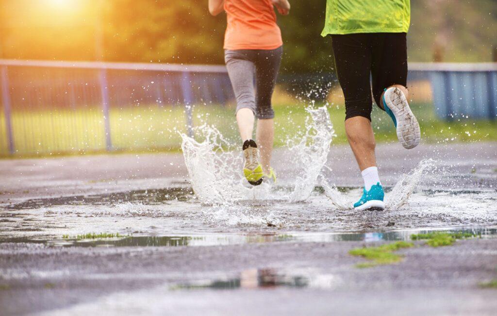 tips for running in the rain coastalfloridasportspark 3